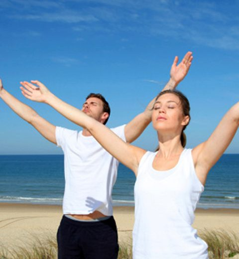 Zomertrend: Yoga voor koppels
