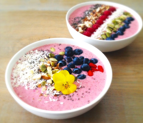Superfood Berry Breakfast Bowl