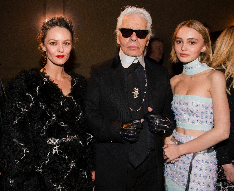 16_Paris-Salzburg-2014-15-Metiers-dArt-collection-New-York-Ambiance-pictures-by-Kevin-Tachman-Vanessa-Paradis-Karl-Lagerfeld-Lily-Rose-Depp