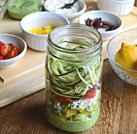 Courgetti met avocado dressing