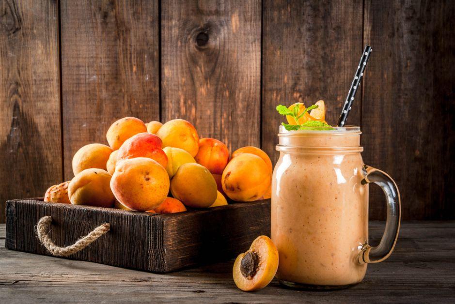 smoothie, cellulitis, ananas, rode vruchten, abrikoos, green, kiwi, abrikoos