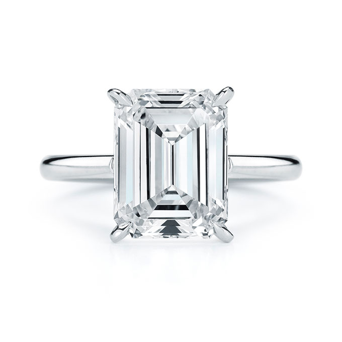 emerald-cut-engagement-rings-kwiat-17703E_400_table