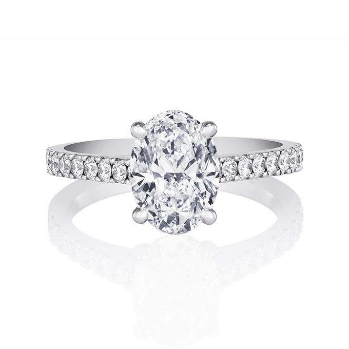 oval-engagement-rings-DE-BEERS