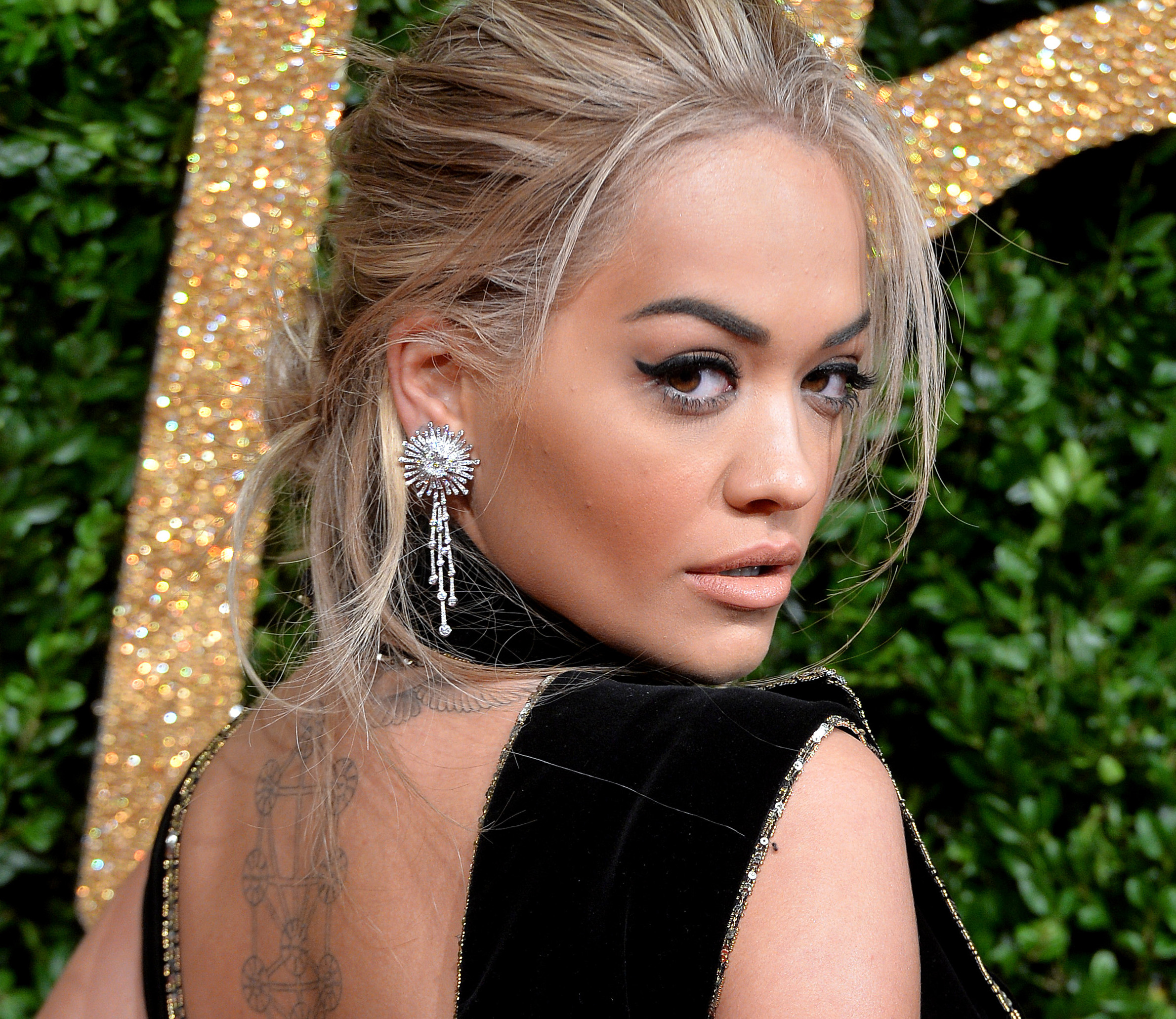 LONDON, ENGLAND - NOVEMBER 23: Rita Ora attends the British Fashion Awards 2015 at London Coliseum on November 23, 2015 in London, England. (Photo by Anthony Harvey/Getty Images)