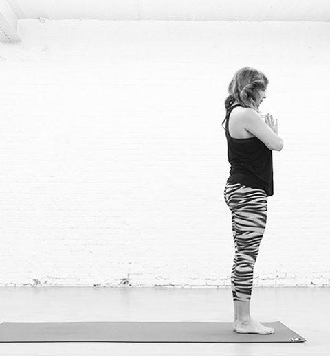 ELLEworkout. Groet 2016 met deze yoga pose