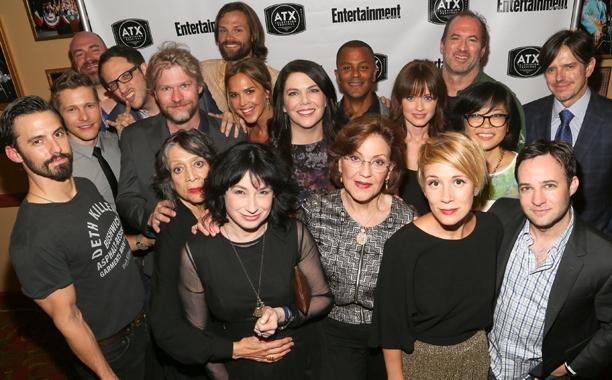 De cast op een reünie vorig jaar