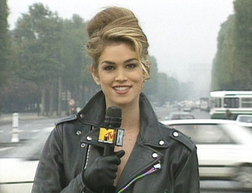HOS-12-089-cindy-crawford