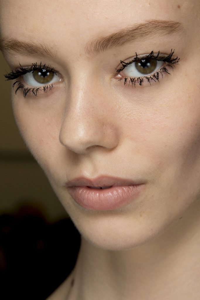 clumpy lashes