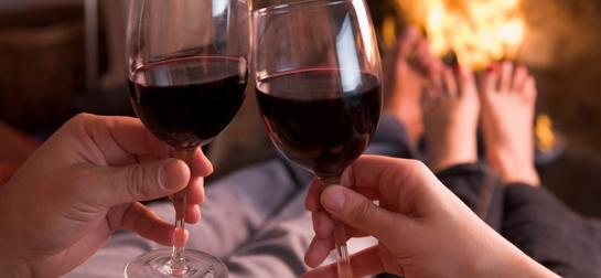 wijn-bij-haard