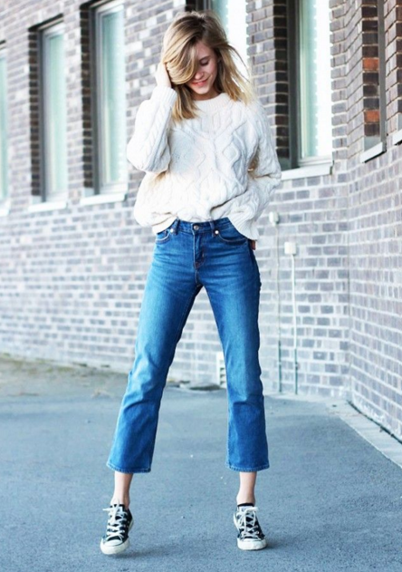 Cropped Flared Jeans 4