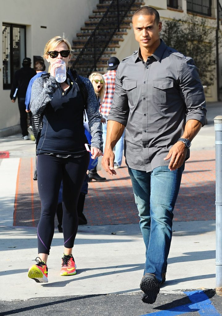 Exclusive... 51657035 'Wild' actress Reese Witherspoon leaving a gym with a bodyguard in Brentwood, California on February 18, 2015. Reese is hoping for a win for her role in 'Wild' at this weekend's Oscar Awards. FameFlynet, Inc - Beverly Hills, CA, USA - +1 (818) 307-4813
