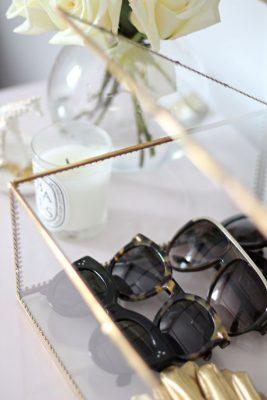 Glazen koffer zonnebrillen