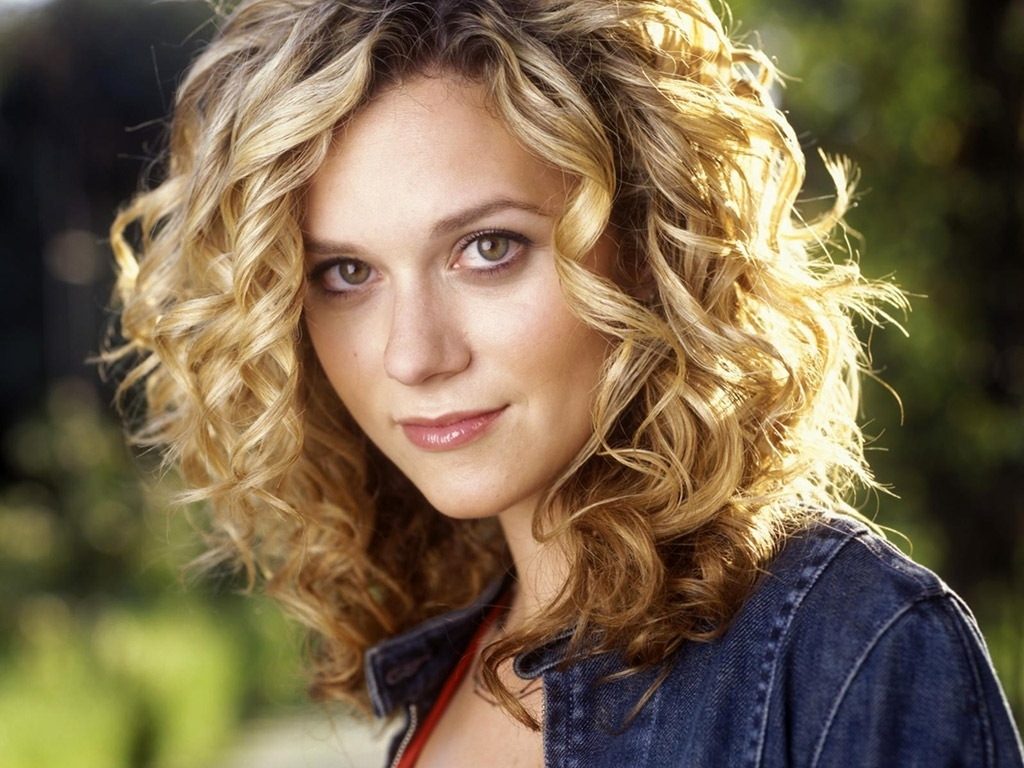 Peyton-Sawyer-tv-female-characters-17773624-1024-768