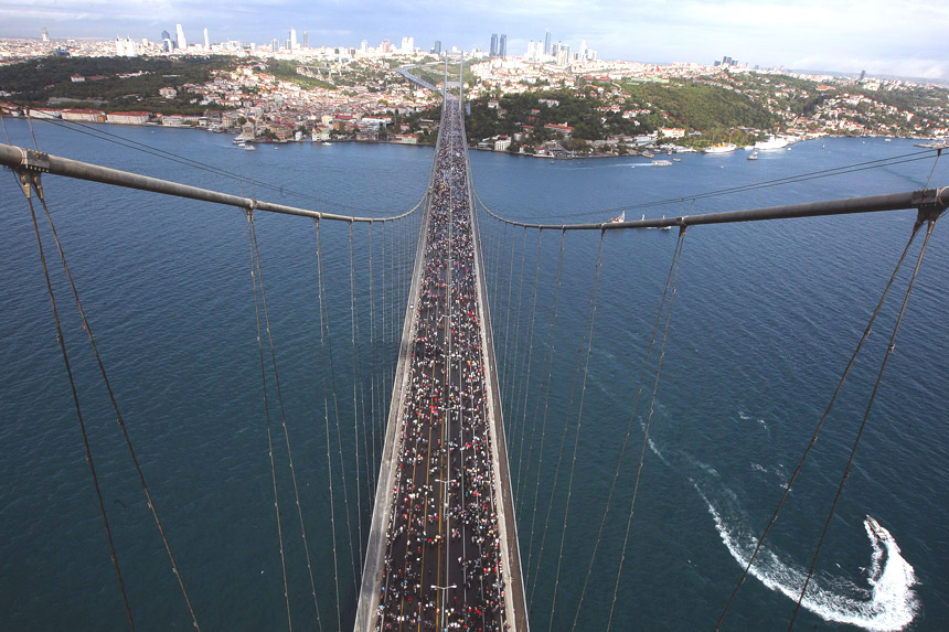 Turkije-Intercontinental-Istanbul-Eurasia-Marathon-Bosporusbrug