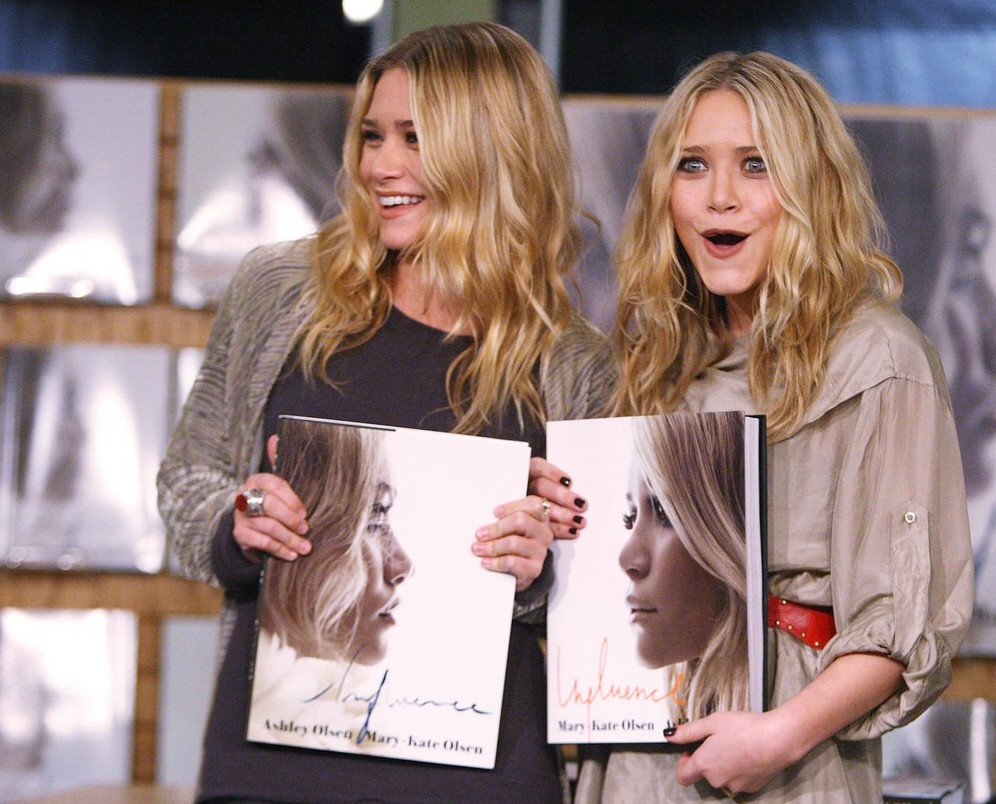 mary-kate-ashley-olsen-influence-book-signing-11