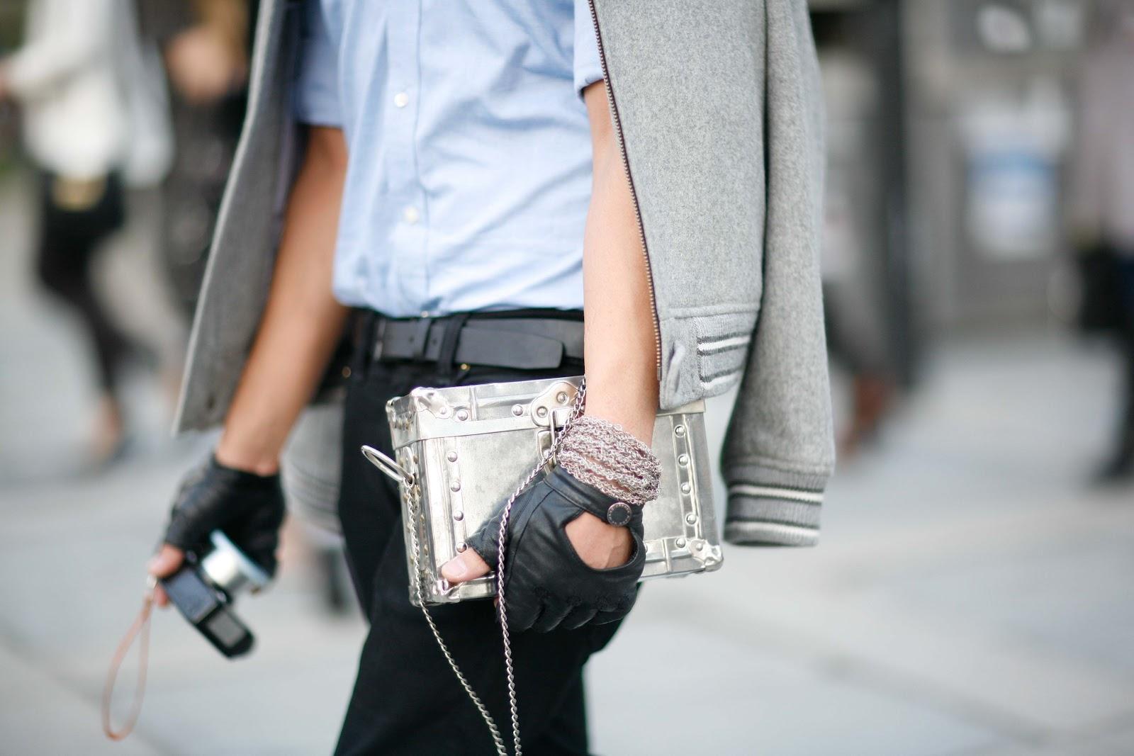 Kort jasje + kleine handtas