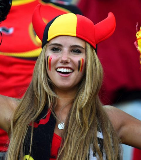 De WK-babe is terug en pakt Romelu Lukaku aan