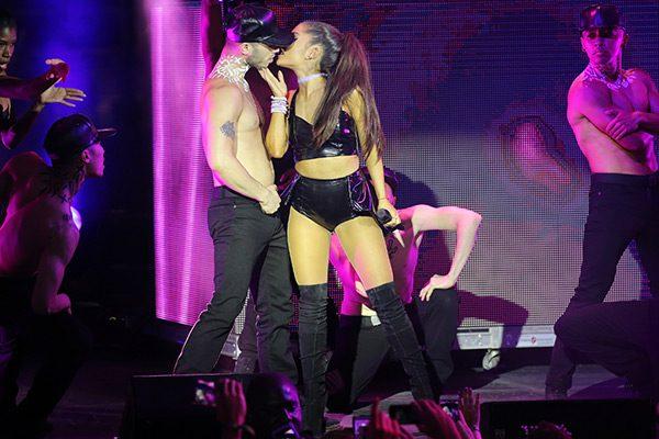 ariana-grande-kisses-back-up-dancer-gay-pride-nyc-ftr