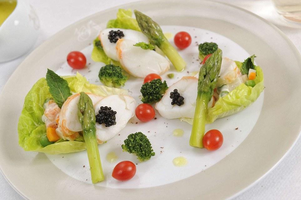 langouste caviar macédoine de légumes