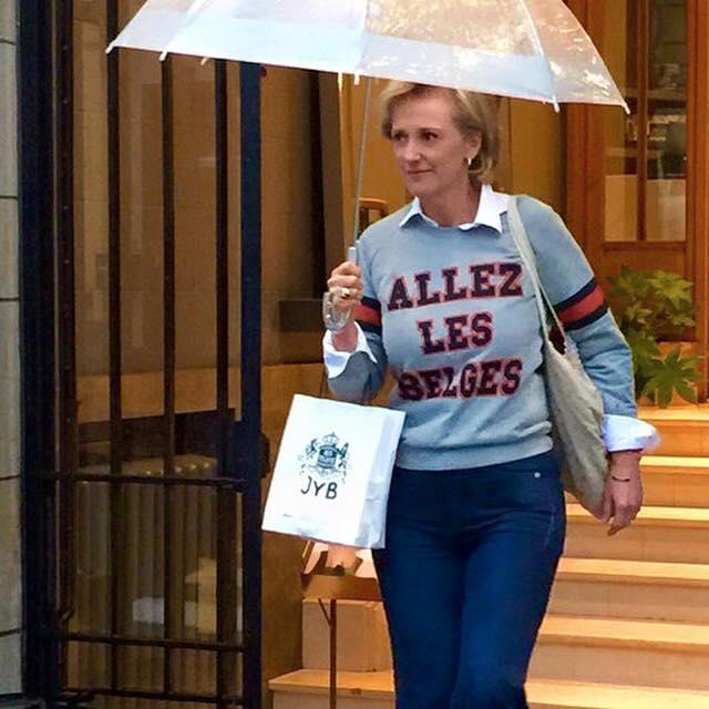 Belgische royal prinses Astrid hipster allez les belges o'ren rode duivels