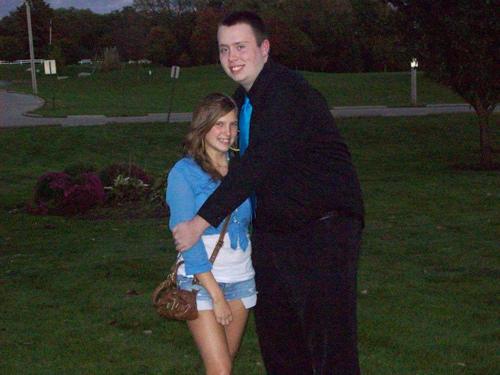 awkward-hugs-couple