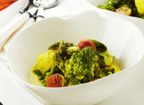 Healthy recept: groentencurry met yoghurt en kurkuma van Pascale Naessens