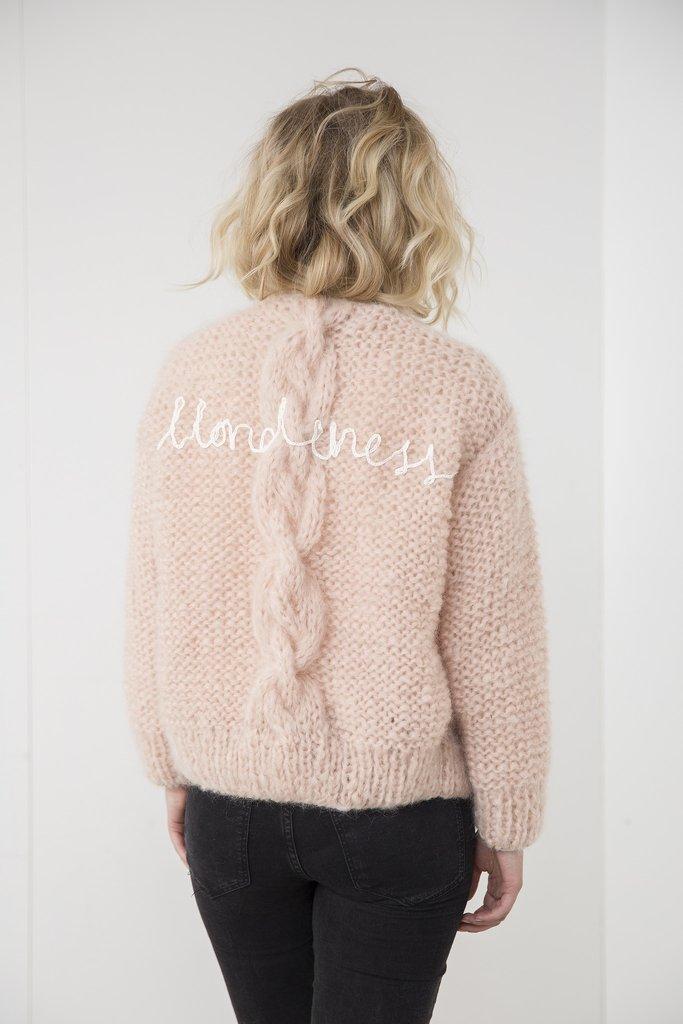 maurice-knitwear-made-by-bernadette-wollen-cardigan-breigoed-ln-knits-wol-10