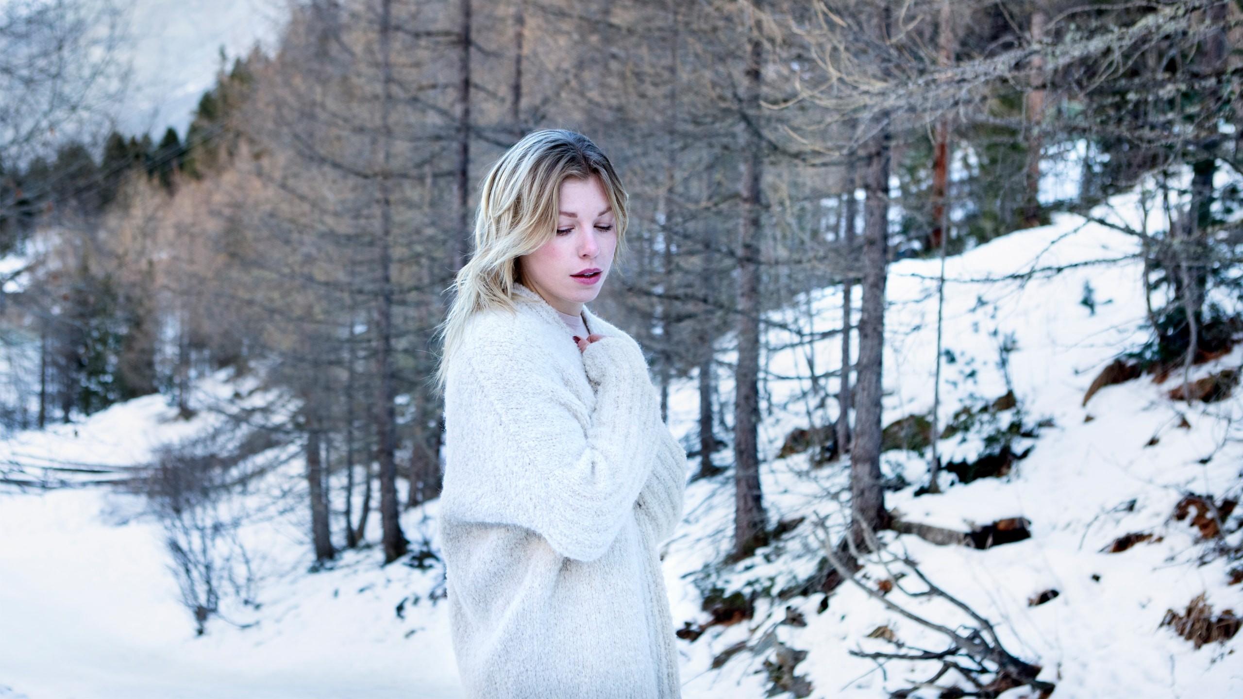 maurice-knitwear-made-by-bernadette-wollen-cardigan-breigoed-ln-knits-wol-6