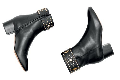 16-397-black-shoes_