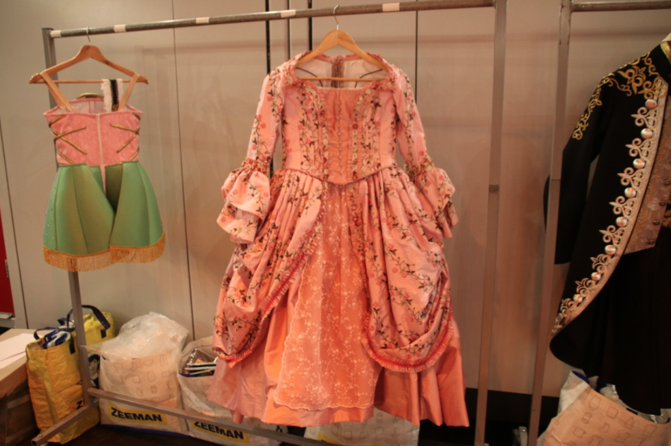 musical-belle-en-het-beest-josje-huisman-atelier-kostuums-backstage-elle-be-1