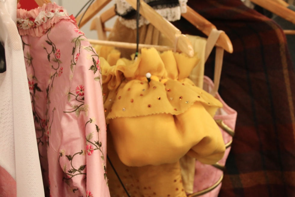 musical-belle-en-het-beest-josje-huisman-atelier-kostuums-backstage-elle-be-19