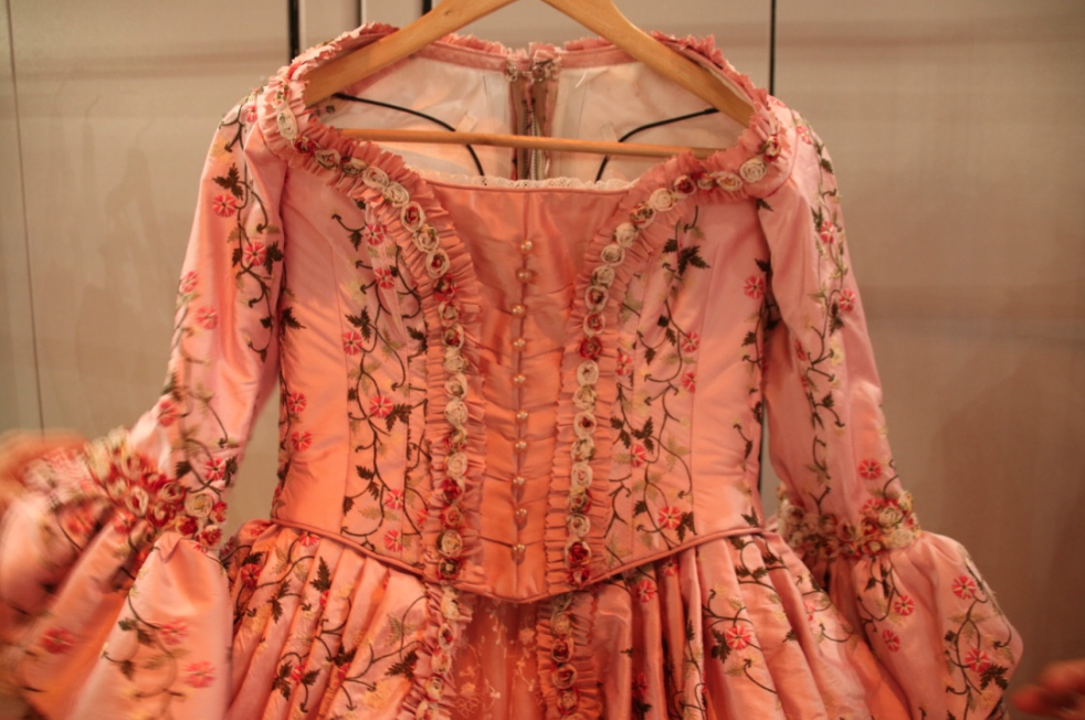 musical-belle-en-het-beest-josje-huisman-atelier-kostuums-backstage-elle-be-2