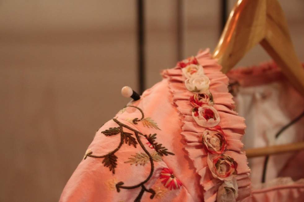 musical-belle-en-het-beest-josje-huisman-atelier-kostuums-backstage-elle-be-4