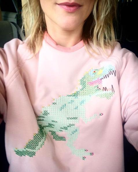 ilke-cop-dino-sweater-elle-be