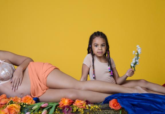Beyoncé naaktfoto zwanger tweeling intiem privé album