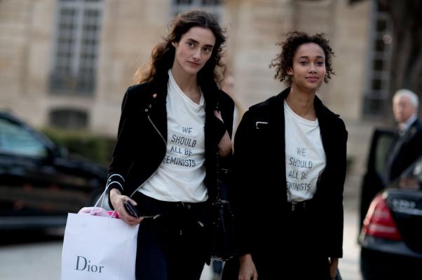 Dior we should all be feminist chimamanda ngozi adichie shirt Maria Grazia Chiuri 9