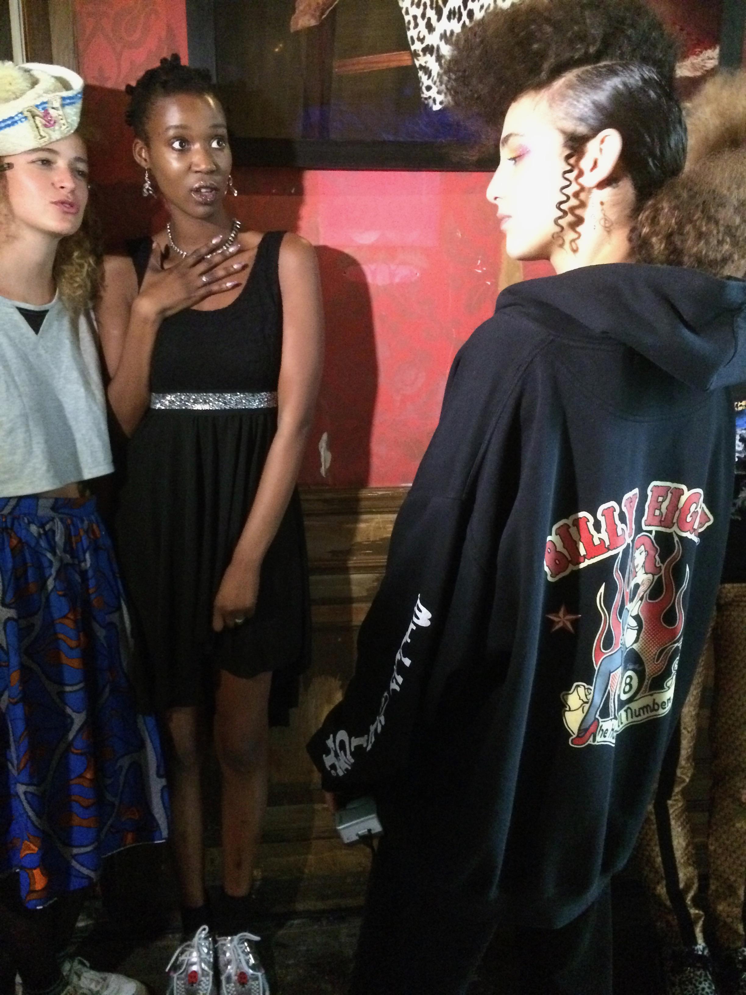 Fashion week insider praat modetermen achter de schermen 4