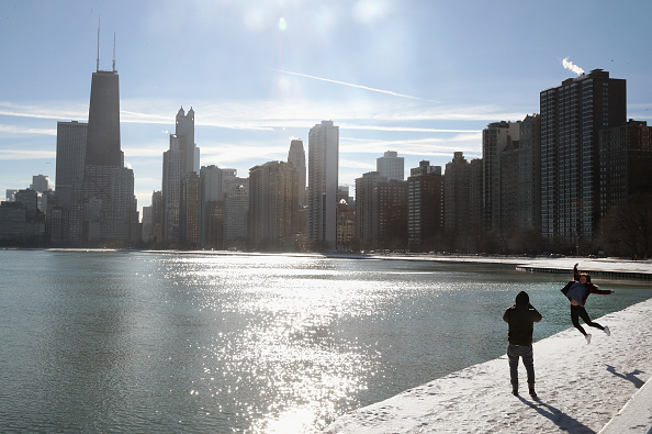 Frigid Arctic Blast Sends Chicago Temperatures Into Single Digits