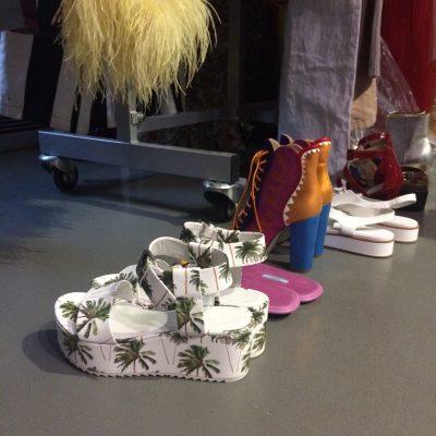 Making of modeshoot Atomium schoenen
