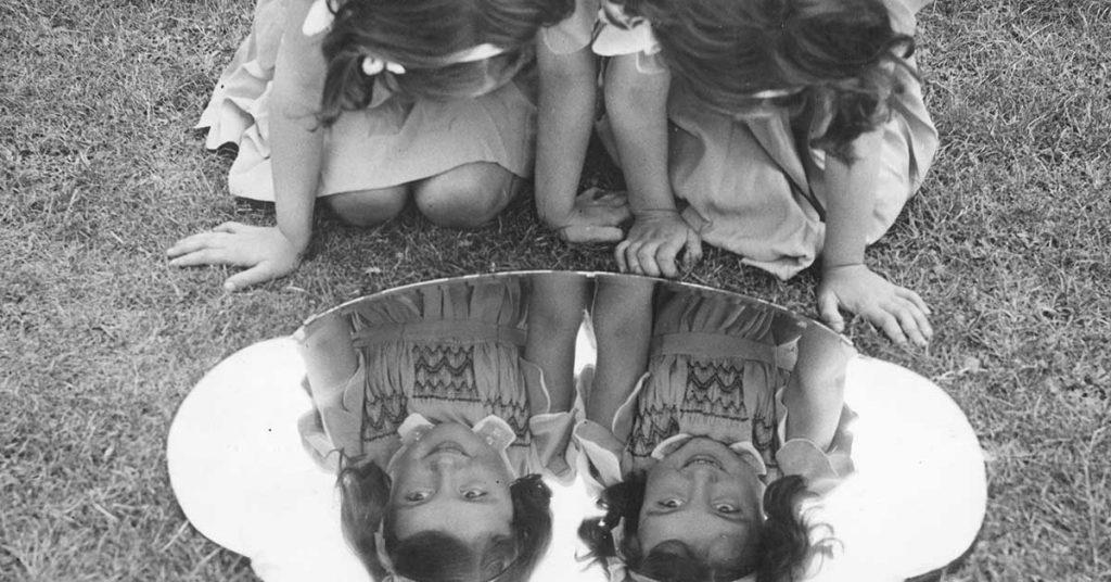 20_feiten_over_tweelingen_mirror_image_twins