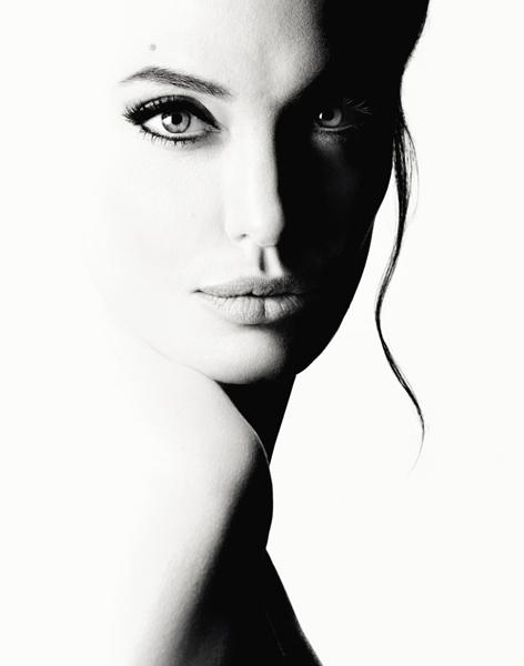 Angelina Jolie MonGuerlain parfum