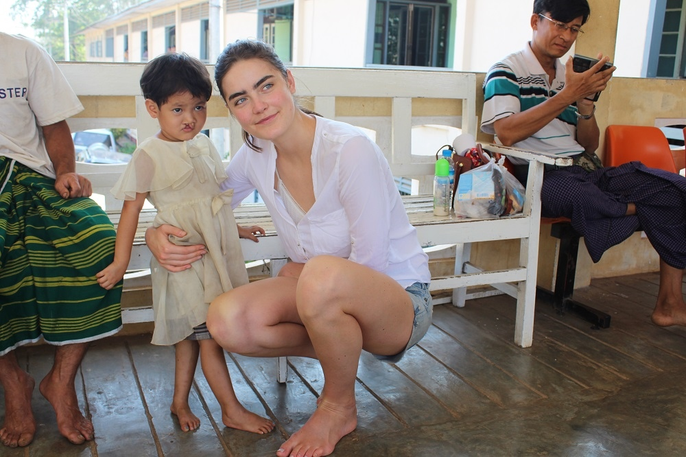 Daphne Velghe See & Smile Myanmar humanitair hazelip 2