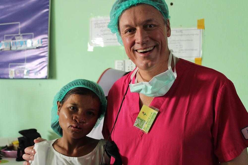 Dr Tonnard en patient post operatie