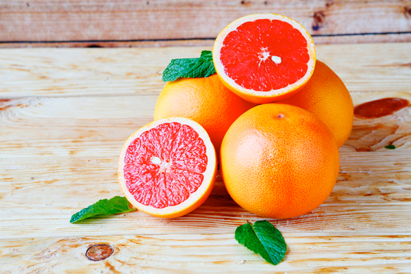 Aromatherapie afslanken etherische oliën citrus atlasceder pompelmoes detox cellulitis