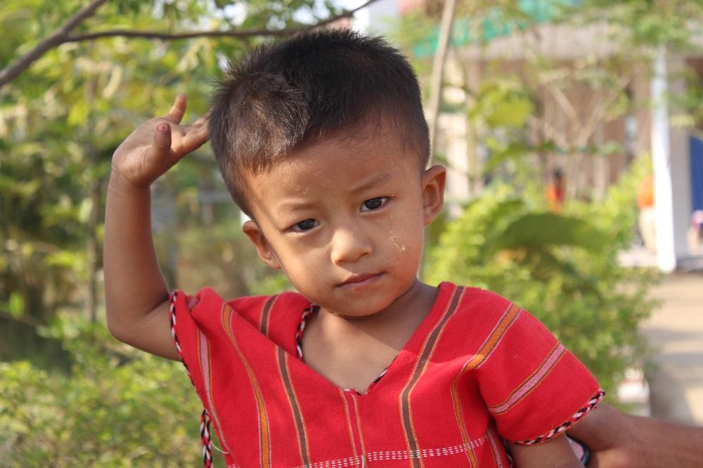 Een kindje uit het dorp.