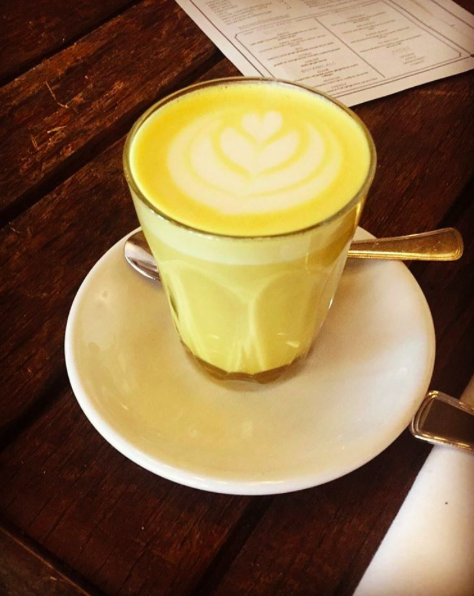 Alternatieven voor koffie golden milk