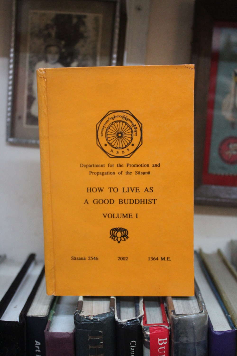 boek how to live as a buddhist