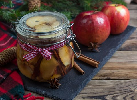 Healthy Snack on the go Apple and Chocolate & Speculoos paste