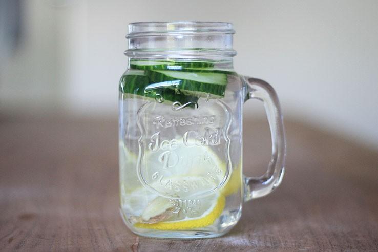 Fruitwater receptjes citroen komkommer en gember