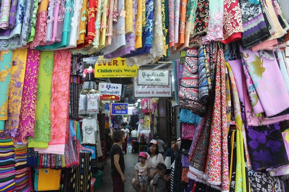 kleding op de Scott's market
